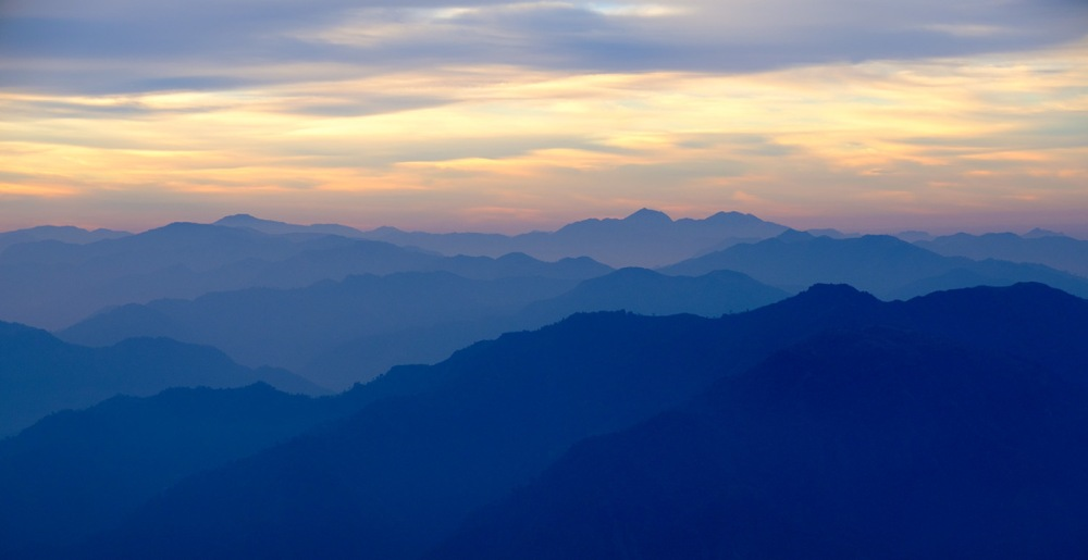 himalayan-foothills-sunrise-kunjapuri-devi-temple-rishikesh-uttarakhand-india-copy