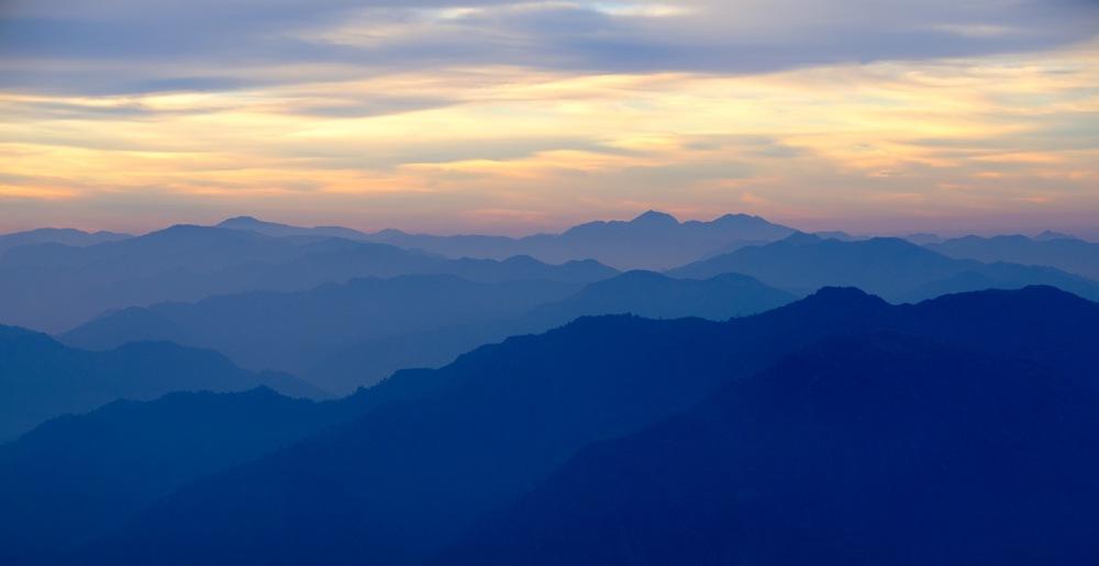 himalayan-foothills-sunrise-kunjapuri-devi-temple-rishikesh-uttarakhand-india-copy