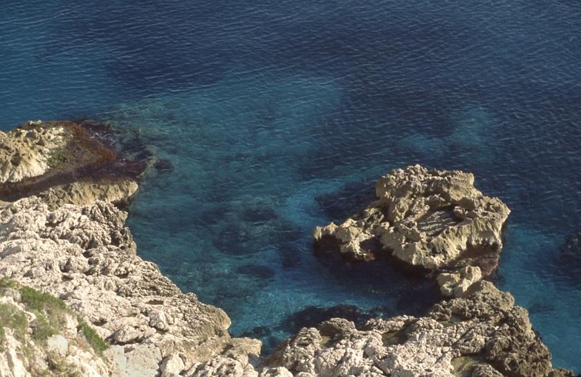 capri-clear-water_crop_bri-8_bri-25_840x546